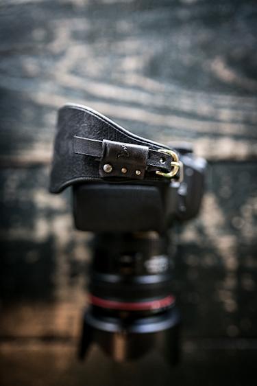 レザーハンドストラップ/一眼レフカメラ仕様