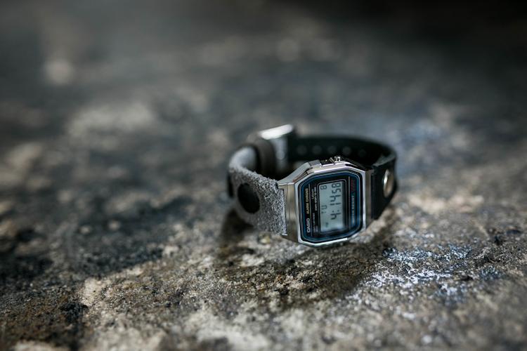 ベロアとヌメ革の2TONE腕時計 / ヴィンテージブラック