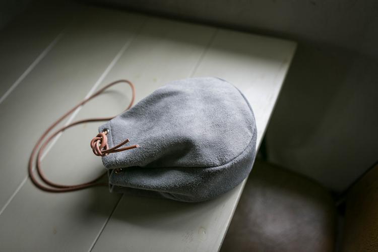 本革 スウェード ベロア 巾着 サコッシュバッグ ドローストリングバッグ 革巾着袋 ポシェット ヴィンテージ